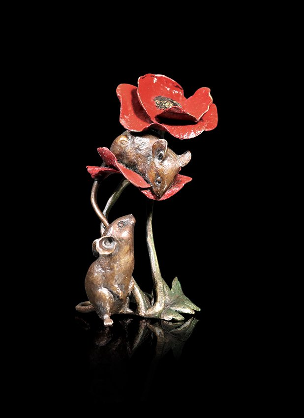 1074 Two Mice with Poppy