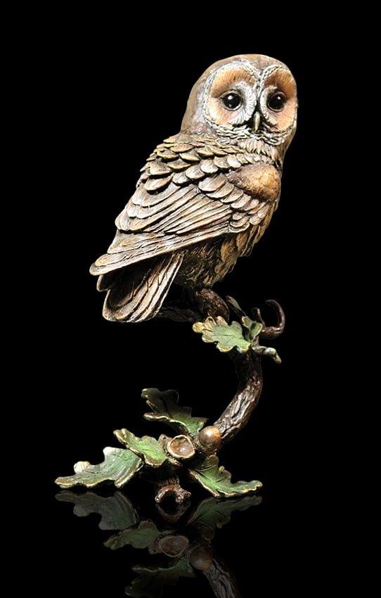 1083 Tawny Owl with Acorns Side